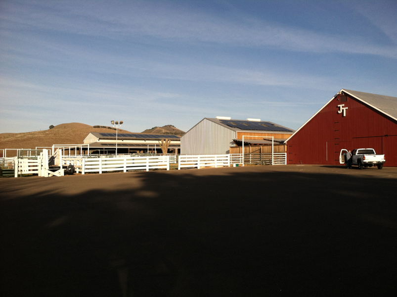 Tres Hermanas Winery goes solar