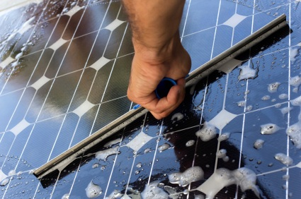 solar panel cleaning by solarponics