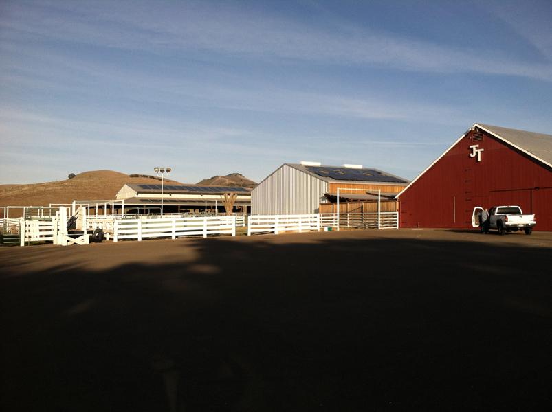 Tres Hermanas Winery goes solar